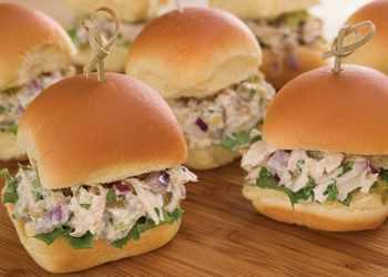 Recipe Tuna Sliders with Green Chilies