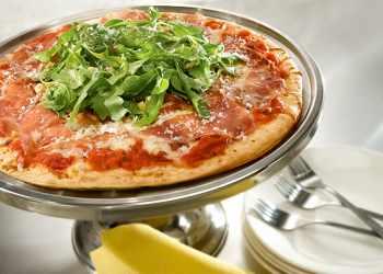 Recipe Prosciutto and Arugula Rustica Pizza